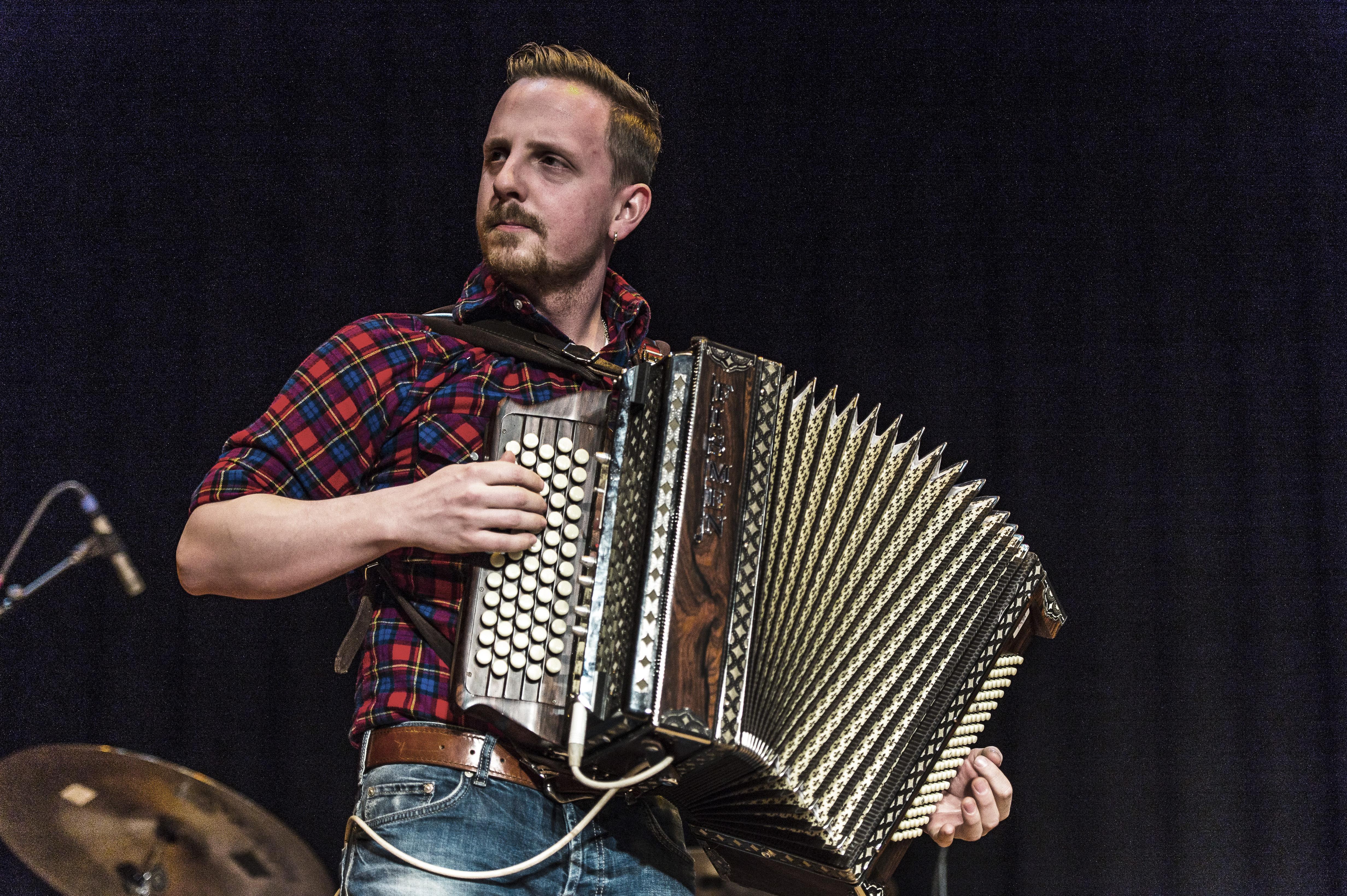 Zuger Sportnacht: Julian von Flüe und Band